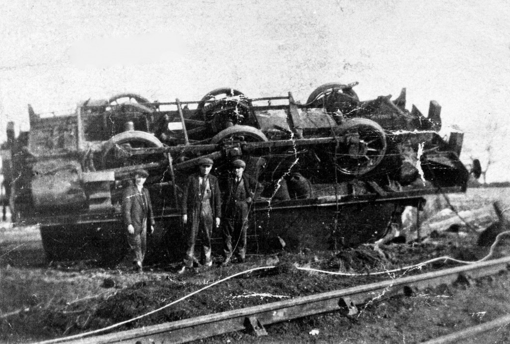 65660 - An un-identified 0-6-0 steam locomotive lies overturned after an accident on the line to Brandon Pit House in 1929. We don't know much about this incident but sadly it seems that four men were killed.