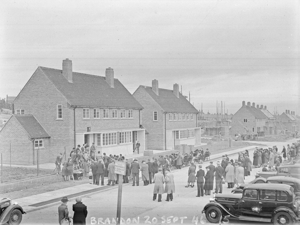 26632 - Opening of new housing in Brandon, 20th September 1946.